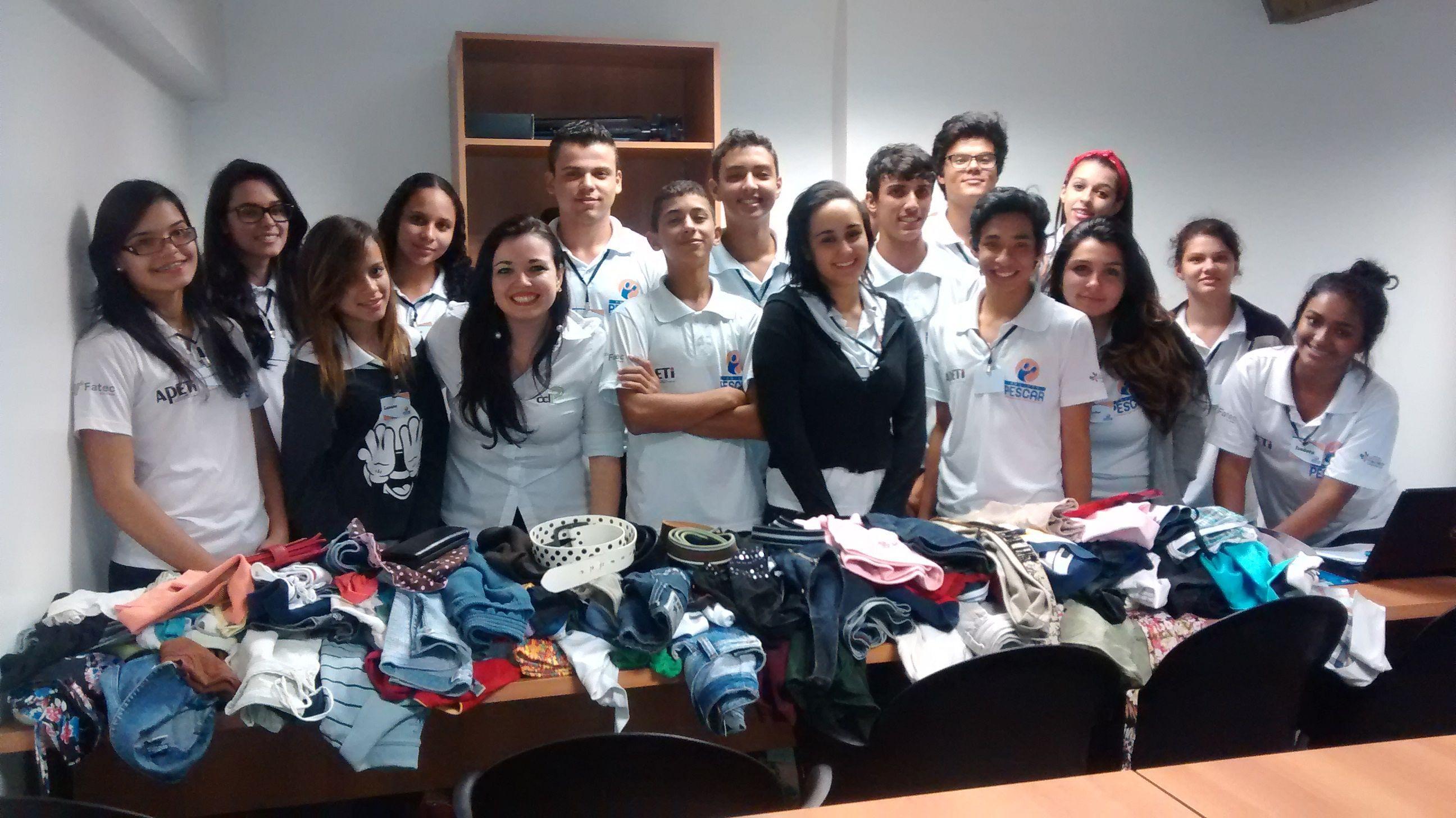 CCLi realiza campanha de arrecadação de roupas para o Projeto Pescar