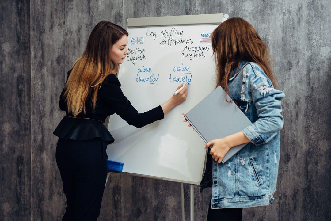 Consultoria personalizada: Metodologia que desenvolve o inglês para situações reais