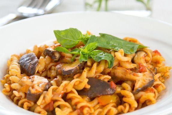 macarrão com calabresa e champignon