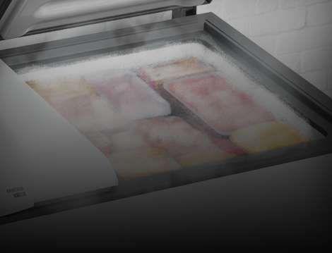 Detalhe de um freezer aberto