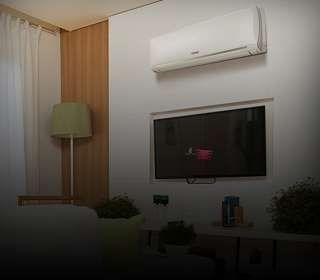 Ar-condicionado Split na parede da sala