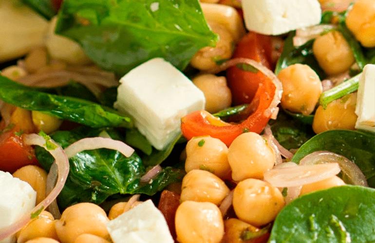 salada de grão de bico simples