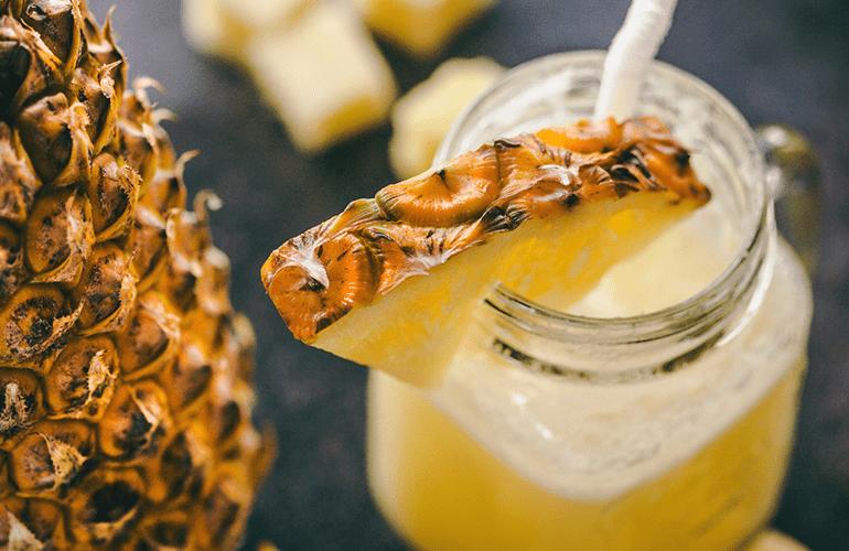 suco detox com abacaxi