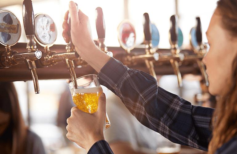 mulher cervejeira