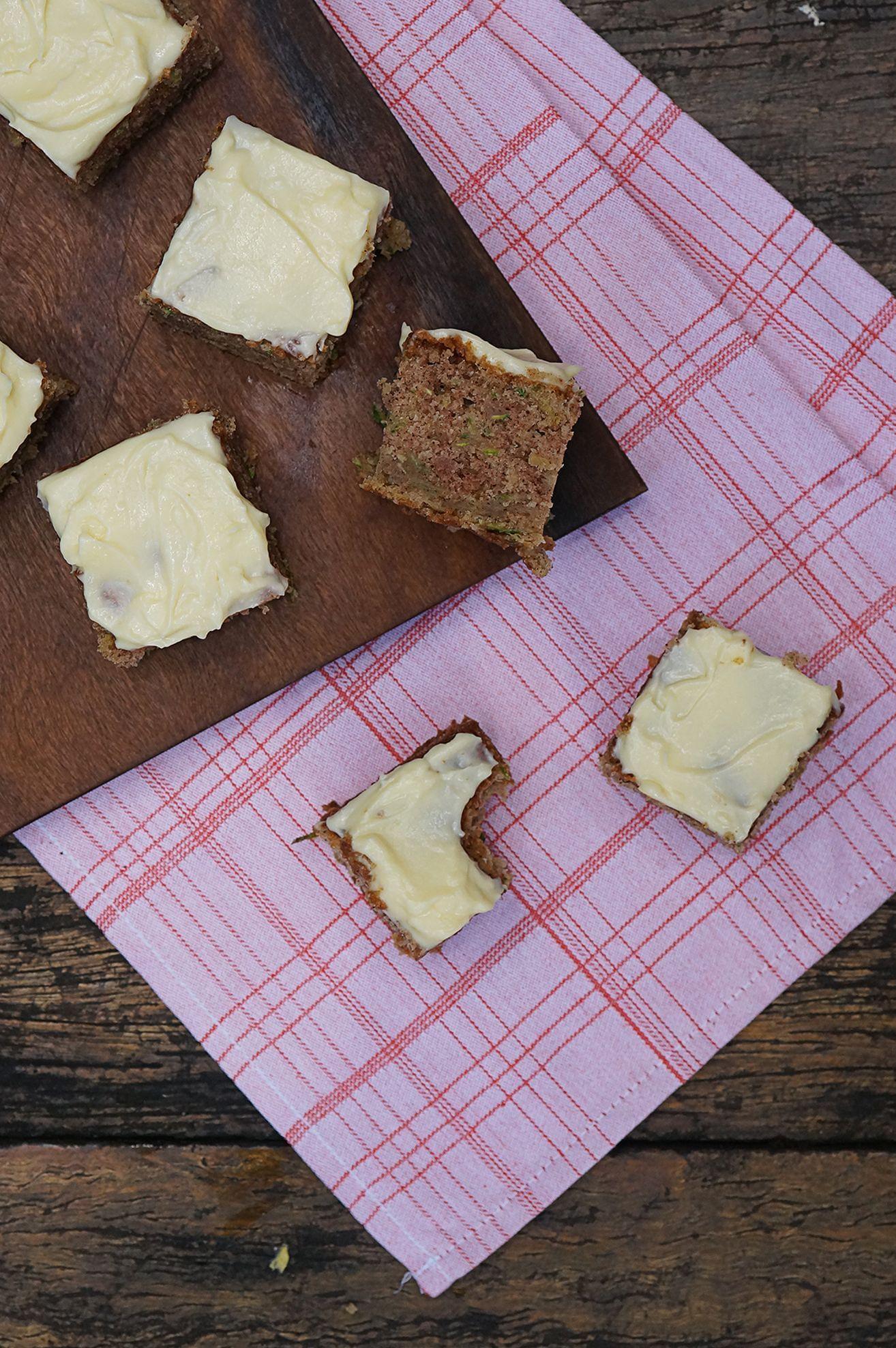 Bolo de Limão Siciliano e Cream Cheese Vegano