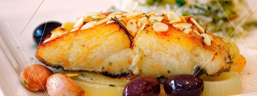 Bacalhau ao forno é uma receita da combinação de tradição e sabor