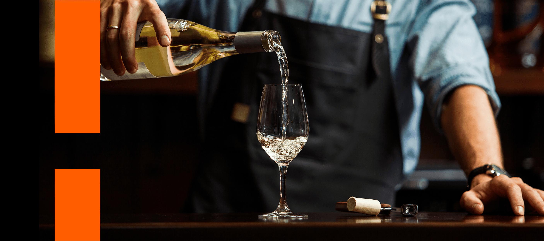 Guia do vinho branco: tudo que você precisa saber para aproveitar os melhores rótulos