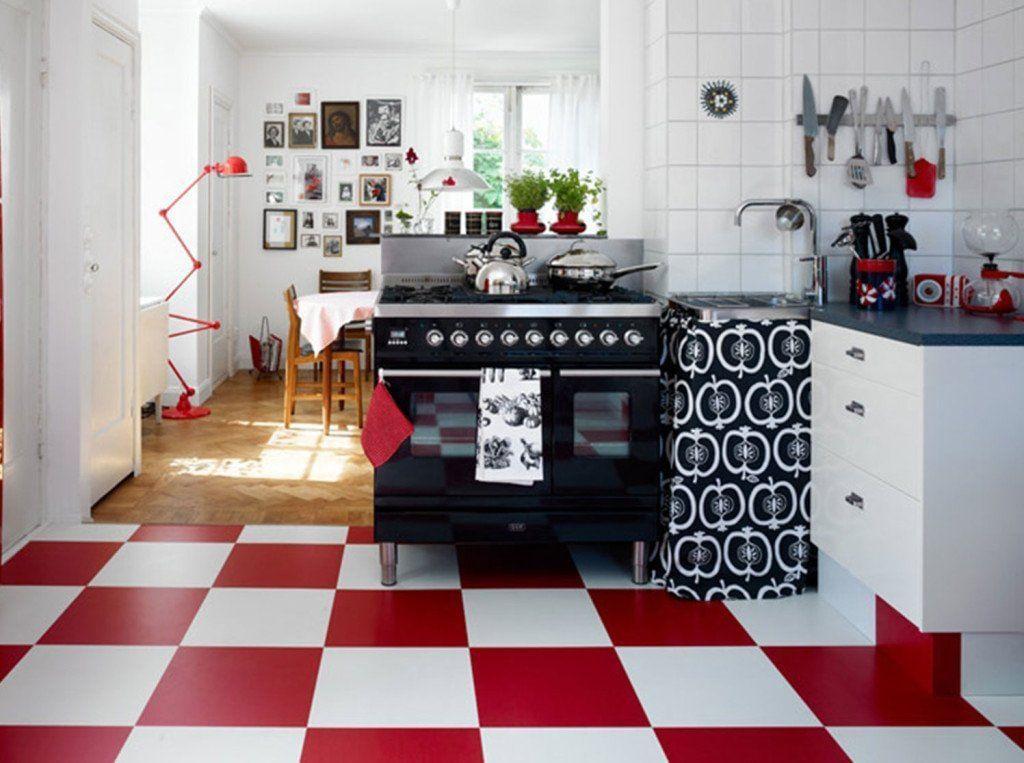 Os pisos vermelhos pedem paredes em tons mais claros, para que o ambiente fique mais espaçoso