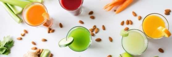 suco vermelho de goji berry e morango