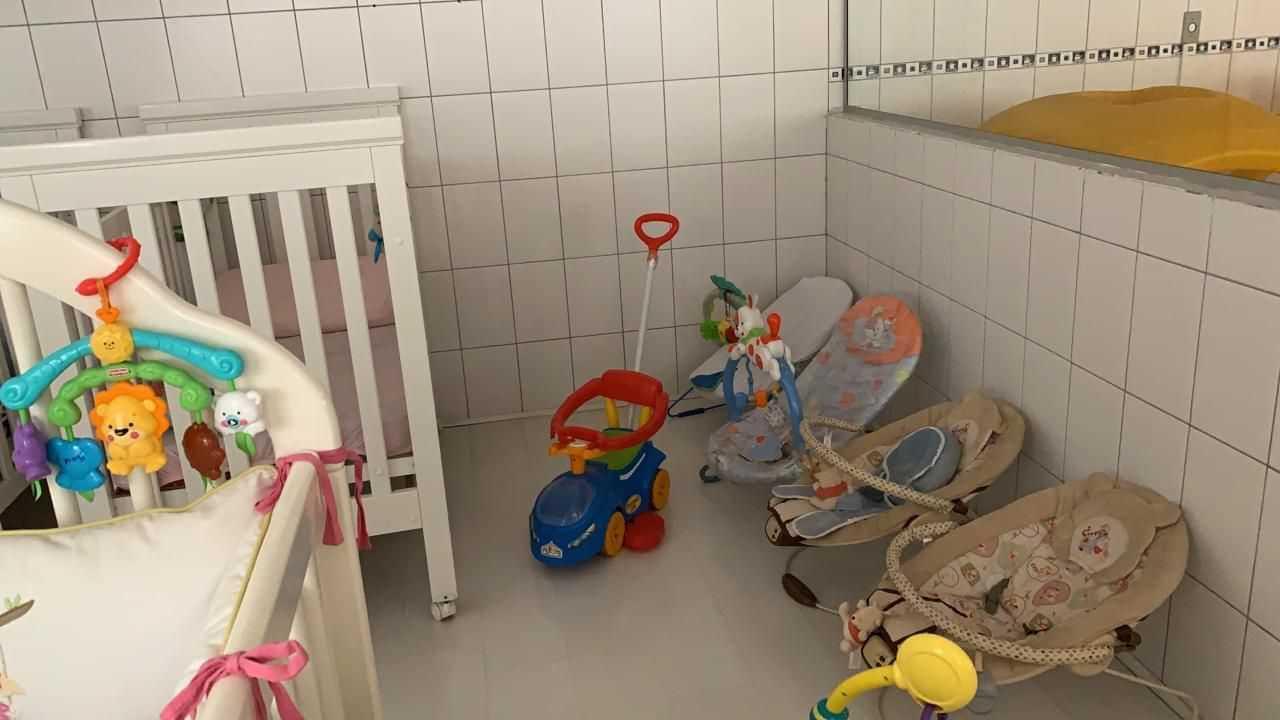 ESCOLA DE ED. INFANTIL BRINCAR DE AMARELINHA - foto 17