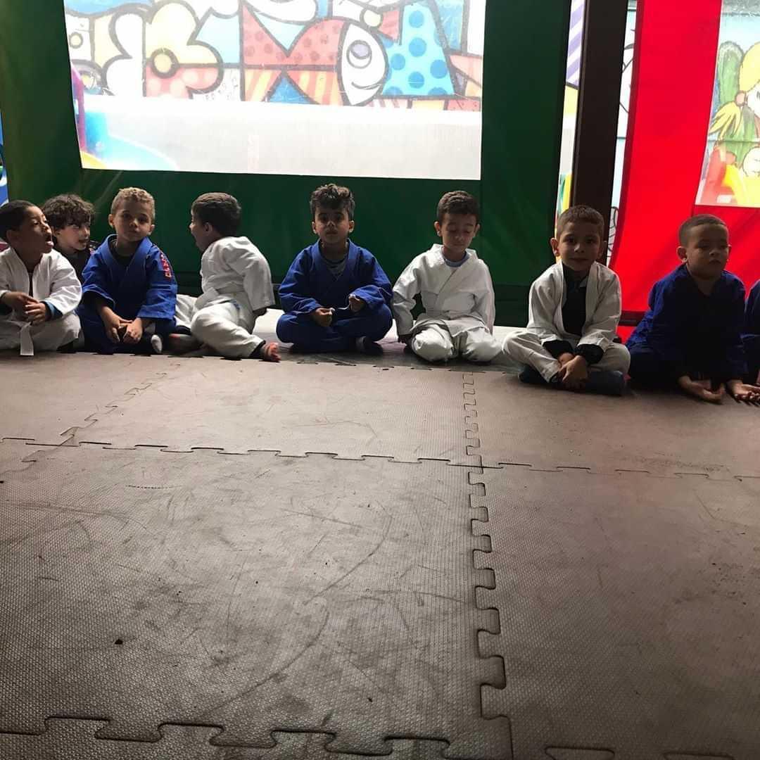 Escola de Educação Infantil Castelo da Alegria - foto 4