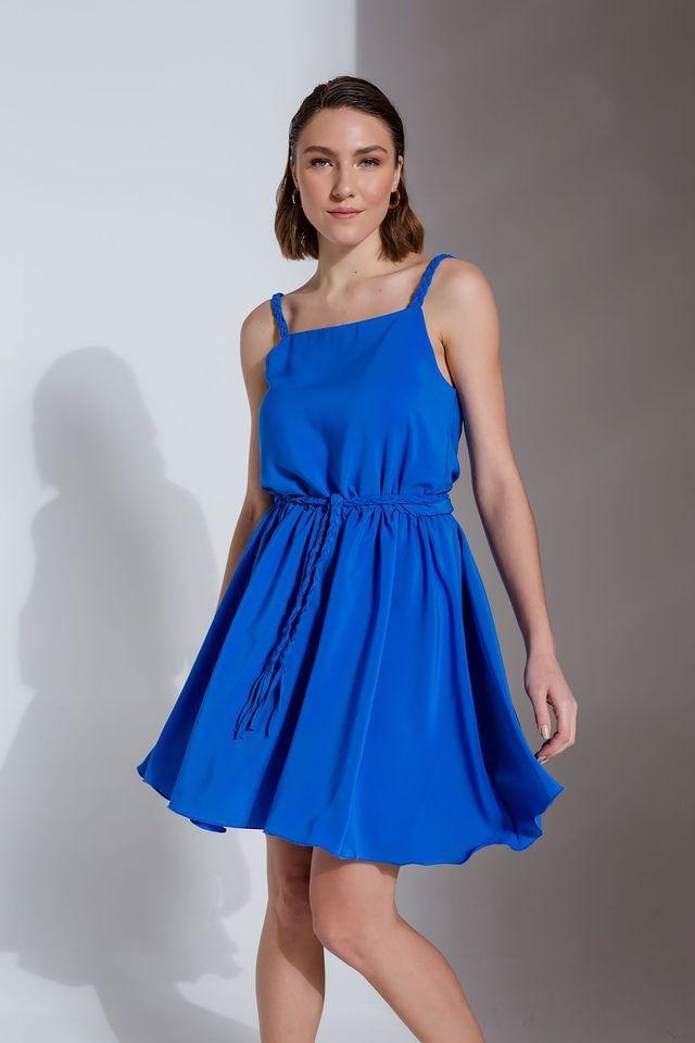 Μπλε φόρεμα με πλεξούδες