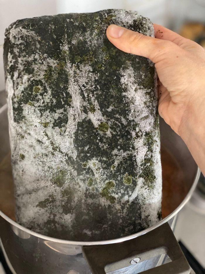 מלוחיה/מלוחייה  - מרק מצרי עם בשר בקר