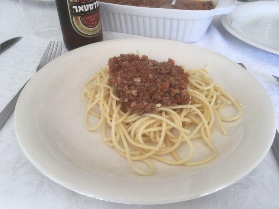 ספגטי בולונז עם עגבניות טריות - ללא רסק