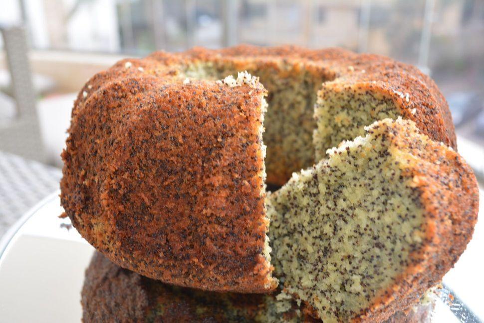 עוגת פרג בחושה פרווה קלאסית מושלמת!