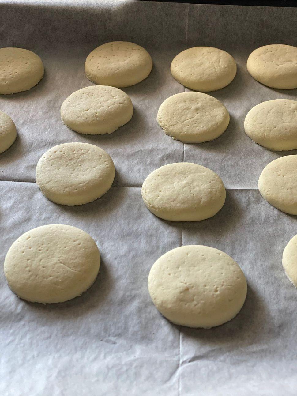 אפיית עוגיות האלפחורס