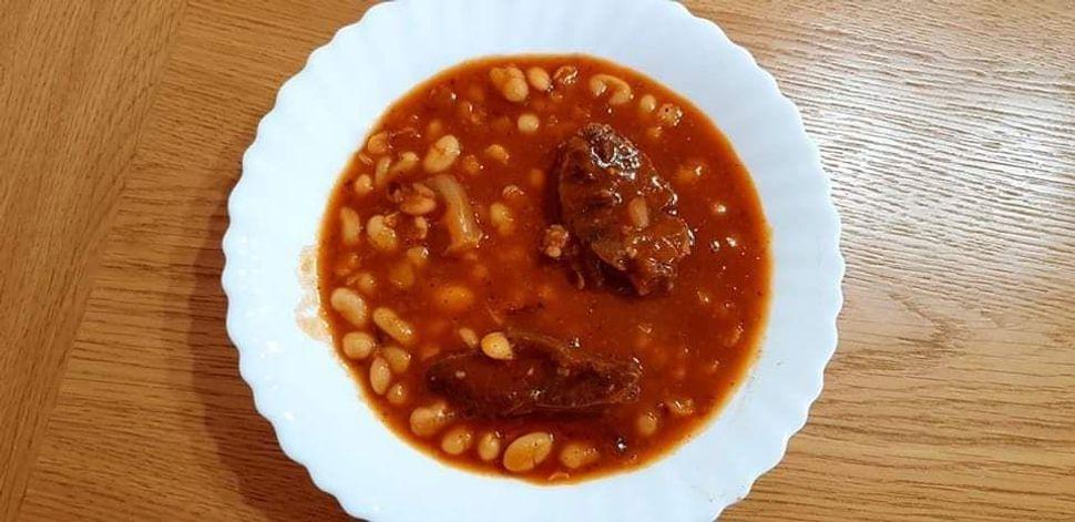 מרק שעועית עם בשר בקר