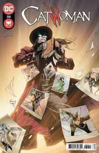 Catwoman #32 CVR A Robson Rocha